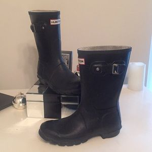 HUNTER WOMENS SHORT BOOTS!